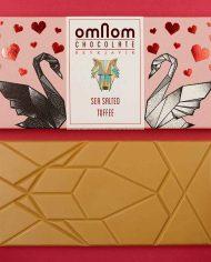 OmNom-_Styled–Toffee-+-Sea-Salt-(2)